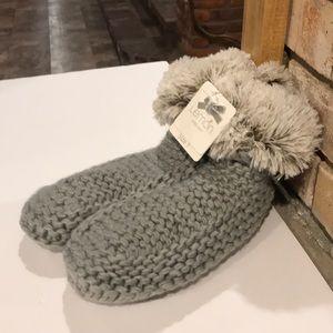 NWT Lemon Knit Slipper Socks With Faux Fur S/M